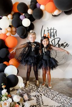 Halloween Candy, Halloween Costumes For Kids, Happy Halloween, Halloween Decorations, Candy Cart, Boy Costumes, Party Time, Witch, Rainbow