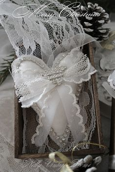 This would work for Christmas, Valentines Day, or for a wedding.....very pretty!!