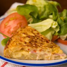 Un mundo ideal es aquel en donde puedas comer Tortilla de Papas Rellena todos los días. Breakfast Recipes, Dinner Recipes, Cooking Recipes, Healthy Recipes, Grilling Recipes, Food Dishes, Food Videos, Mexican Food Recipes, Love Food