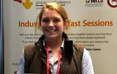 Doctor of Veterinary Medicine graduate Dr Lucy Collins has been awarded the Don Kerr Veterinary Student Award at the Australian Veterinary Association.