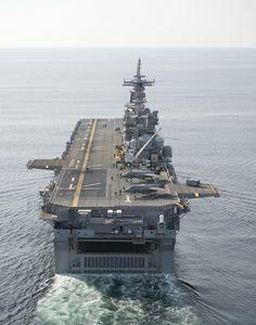 megazal: Ship Trials Aboard the USS Wasp (via Lockheed Martin) Navy Marine, Navy Military, Marine Corps, Military Weapons, Military Aircraft, Military Personnel, Military Vehicles, Sports Nautiques, Navy Aircraft Carrier