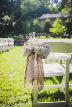 Burlap and Lace Aisle Markers | Teale Photography https://www.theknot.com/marketplace/teale-photography-nashville-tn-610466