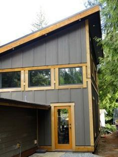 Corrugated metal siding - a great cladding for straw bale, esp. into the prevailing wind.this siding looks amazing! Steel Siding, Wood Siding, Exterior Siding, Exterior Colors, Grey Siding, Cement Siding, Corrugated Roofing, Corrugated Metal, Cabana
