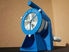 """Changed the design of my previous air raid siren. Added a gear box, a hand crank, a turbine and a lot of screws - everything 3D printed... Be careful when using it! Dont touch the moving parts while they are rotating! 10.02.2016 - update: made a smaller version of part """"Gehause1"""" so it also fits on a smaller build plate made an assembled all-in-one-version"""