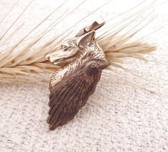 ⭐⭐⭐⭐⭐ отзыв от Autumn V.: Absolutely beautiful! The pendant arrived just as pictured and I am so happy! I'll treasure it forever. #tdrevnosti #etsy #happy #customer #feedback #foxneckless #foxandcrow #raven #crow #foxy ➡️ https://www.etsy.com/tdrevnosti/listing/230814826/fox-and-crow-bronze-fox-pendant-handmade?utm_campaign=reviews&utm_content=d72526695dc94399b6c0f0932582e6fe&utm_medium=pinterest&utm_source=sellertools