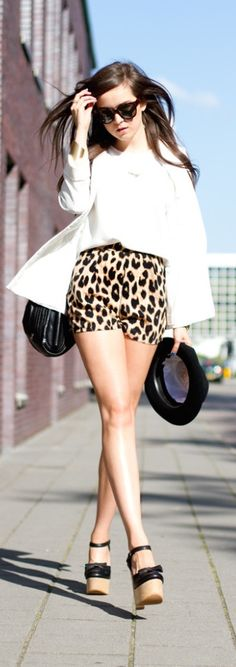 animal print shorts by andy torres Beautiful Outfits, Cool Outfits, Fashion Outfits, Fashion Trends, Women's Fashion, Leopard Shorts, Cheetah, Style Scrapbook, Mexican Fashion