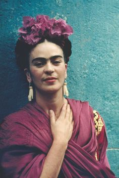 In May Nickolas Muray traveled to Mexico where he met Frida Kahlo, a woman he would never forget. Glamour Mexico, Frida Kahlo Portraits, Frida Kahlo Prints, Nickolas Muray, Kahlo Paintings, Frida Art, Diego Rivera, Creative Photos, Role Models