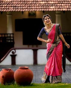 Kerala Saree Blouse Designs, Wedding Saree Blouse Designs, Half Saree Designs, Blouse Designs Silk, Indian Fashion Dresses, Indian Bridal Outfits, Indian Bridal Fashion, Wedding Outfits, Bridal Dresses