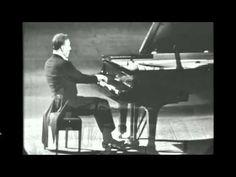 Arturo Benedetti Michelangeli suona Ludwig van Beethoven Sonata in do min. op.. 111 - YouTube