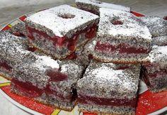 Bögrés krémes meggyes-mákos kocka recept képpel. Hozzávalók és az elkészítés részletes leírása. A bögrés krémes meggyes-mákos kocka elkészítési ideje: 45 perc Czech Recipes, Ethnic Recipes, Poppy Cake, Sweet Cookies, Hungarian Recipes, Sweet Recipes, Tiramisu, Cooking Recipes, Sweets