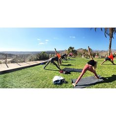 Picture from instagram - Yoga course by #donnonsdustylealavie