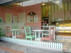 A doll house cupcake shoppe!cute idea!