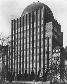 Anzeiger-Hochhaus (1927-28) in Hanover, Germany, by Fritz Höger