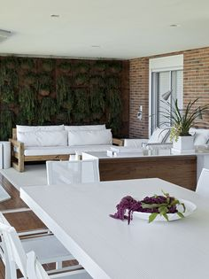 Rivera de São Lourenço/SP - projeto de interiores realizado pelo arquiteto Diego Revollo.