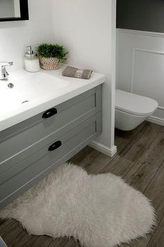 Mieszkanie w nadmorskim klimacie - PLN Design Bathroom Styling, Bathroom Interior Design, Boho Deco, Bathroom Inspiration, Home And Living, House Tours, Kitchen Design, Shabby Chic, Home Decor