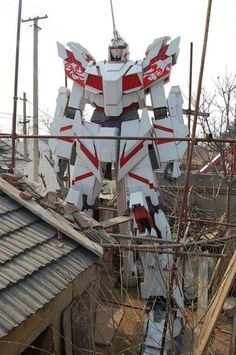 GUNDAM GUY: Building A Unicorn Gundam In The Backyard...!