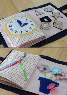 Voici un exemple de quiet book. Les petits passent du temps pour découvrir les animations dans ces livres. Ils sont fait à la main, en tissus et se lave comme un mouchoir de poche. Si vous voulez un ...