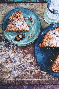 Saveurs Végétales: ► Crumb carrot cake ! (gluten free) Cake Sans Gluten, Gluten Free Cakes, Cake Recipes, Vegan Recipes, Dessert Recipes, Cake Photography, Nutrition, Brownie Bar, Eat Dessert First