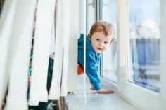 Výživový doplnok – komplex prírodných látok na všestrannú podporu detského organizmu Free Photos, Free Stock Photos, Small Boy, Window Sill, Logo Design Inspiration, Photo Editing, Branding, Windows, Boys