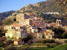 """Région de Balagna -  Pigna est une commune située dans le département de la Haute-Corse. Pigna est une petite commune du littoral balanin, sans façade maritime. Pigna se situe dans un écrin de villages de toute beauté, sous Sant'Antonino labellisé """"L'un des plus beaux villages de France"""", et entouré d'Aregno côté intérieur et de Corbara côté mer. Il domine Algajola sur le littoral dont il est à 3 km à vol d'oiseau."""