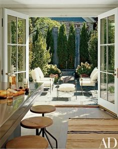 Looking out at an appealing seating area may be more desirable than a dining table and chairs. Patio Traditional Outdoor Furniture, Contemporary Furniture, Outdoor Furniture Sets, Garden Furniture, Courtyards, Nice Kitchen, French Kitchen, Beautiful Kitchen, Kitchen Design