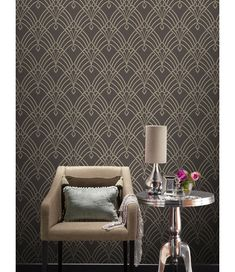 Astoria Deco Wallpaper Charcoal and Silver Rasch 305319 This Astoria Deco Wallpaper features a gold geometric art deco inspired design with mica and glitter elements on a matte dark blue background. Art Deco Decor, Art Deco Stil, Art Deco Art, Art Deco Wallpaper, Trendy Wallpaper, Silver Wallpaper, Glitter Wallpaper, Dark Blue Wallpaper, Feature Wallpaper