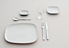 Picnic concept... what if the lids of containers were shaped like plates... you would still need to bring forks though...