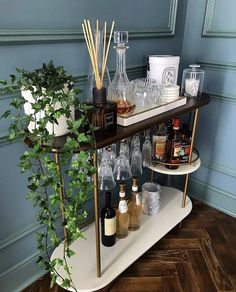"""Awesome """"bar cart decorating""""x information is offered on our website. Check it out and you wont be sorry you did. Home Bar Decor, Bar Cart Decor, Home Decor Quotes, Cheap Home Decor, Apartment Bar, Apartment Living, Living Room, Bar Cart Styling, Living Comedor"""