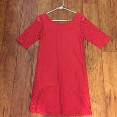 Summer dress! Fitted half sleeves Cute bright pink shift dress for a summer night out! Zipper in the back! Worn only once for a wedding. I loved it with a gorgeous tan and nude heels! Francesca's Collections Dresses Midi