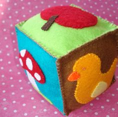 cupcake cutie: Free Pattern: Felt cube toy for baby