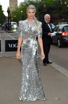Sarah Harris arrives for the Gala to celebrate the Vogue 100 Festival at Kensington Gardens on May 23 2016 in London England Sarah Harris, Kim Kardashian Kanye West, Kim And Kanye, Stunning Dresses, Nice Dresses, Silver Haired Beauties, Khadra, Quirky Fashion, Gala Dresses