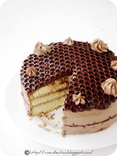 i love honeycomb and i love the effect of bubble wrap and tempered chocolate! <3