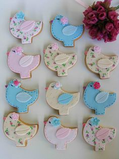 Now these are adorable!  Bird cookies by bubolinkata, via Flickr