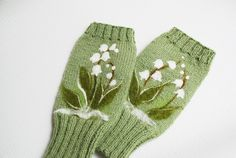 Green Fingerless Gloves  with felted lily of the by MySunsetColor