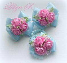 Fabric Flower Headbands, Diy Baby Headbands, Baby Hair Clips, Baby Bows, Fabric Flowers, Handmade Rakhi Designs, Handmade Hair Bows, Boutique Hair Bows, Making Hair Bows