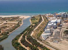 Mega projects Image source: http://aemstatic-ww1.azureedge.net/content/dam/WWI/Volume%2027/Issue-6/Desal-Hadera--Israel-2.jpg