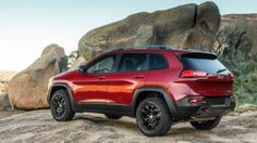 2015 Jeep Cherokee. Just drove yesterday, while my mate Suvro did his infotainment tests for the company. Good car, but lags in acceleration. Well packed features.