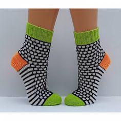 Socks wool socks women's socks hand knitted size - Home & DIY Wool Socks, Knitting Socks, Knitting Stitches, Baby Knitting, Knitting Patterns, Baby Boy Booties, Crazy Socks, Wool Yarn, Crochet