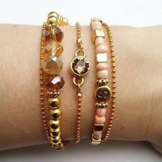 Get your beads at www.BeadsandBasics.com Swarovski setje - Beads & Basics - Gold bracelets - salmon pink - facet beads