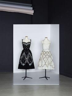 """Balmain, robe de cocktail """"Solveig"""", A/H 1957. Balmain, robe de cocktail """"Clorinde"""", A/H 1954. Collection Palais Galliera #Cocktail Dresses #1950s #Haute Couture"""