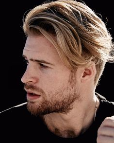 the latest celebrity hairstyles are a useful source of inspiration because celebrities are usually on the cutting-edge of what's new and trendy- it's Latest Haircuts, Cool Haircuts, Haircuts For Men, Great Hairstyles, Celebrity Hairstyles, Hairstyles Haircuts, Medium Hair Styles, Short Hair Styles, Blonde Guys