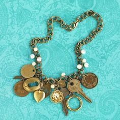 I wanna make vintage jewlery like this!  @Heather Harper jenlynnll