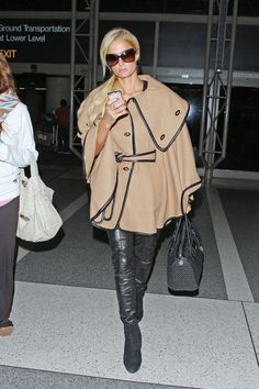 Paris Hilton Hard Case Clutch - Paris Hilton accented her exotic leopard print gown with an ombre hard case clutch. Paris Hilton Style, Paris Style, Princess Paris, Black Leather Leggings, Printed Gowns, Paris Fashion, Women's Fashion, Business Dresses, Cute Outfits