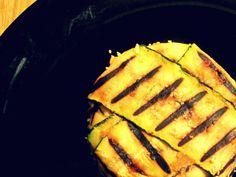 TORTINI DI ZUCCHINA Qualche giorno fa non sapevo cosa preparare per cena al mio compagno, così ho deciso di aprire il frigo e lasciarmi ispirare (come, dal resto, spesso accade). Zucchina: ce l'ho; Ricotta: ce l'ho; Cocottine: pure. Perchè non preparare degli sfiziosi tortini di zucchine?! E così mi sono messa subito all'opera e questo è il risultato: http://blog.giallozafferano.it/cookingtime/tortini-di-zucchine/#