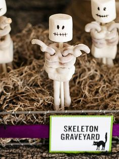 Halloween Kids' Craft: Pretzel Skeletons - White chocolate-covered pretzels and marshmallows combine to create a fun Halloween treat that kids will love helping to assemble before they devour them. Halloween Snacks, Halloween Party Games, Halloween Crafts For Kids, Halloween Candy, Holidays Halloween, Halloween Themes, Happy Halloween, Halloween Decorations, Party