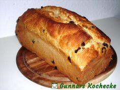 Raisin mares – Famous Last Words German Bread, German Baking, Bread Recipes, Baking Recipes, German Desserts, German Recipes, Raisin Bread, Good Food, Yummy Food