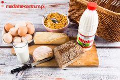 aranżacja na śniadanie, nabiał, mleko, bagietka, jajka, ser,płatki kukurydziane