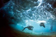 Amazing Underwater Photos Of People Fighting Against The Ocean. Must Seen! | Happeninz.com