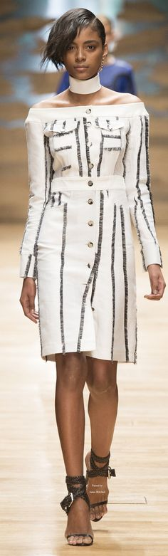 Guy Laroche Collection Spring 2016 Ready-to-Wear women fashion outfit clothing style apparel @roressclothes closet ideas