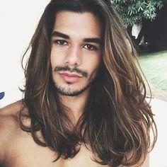 Long hair men's haircut Boys Long Hairstyles, Haircuts For Men, Hair And Beard Styles, Curly Hair Styles, Long Hair Beard, Men With Long Hair, Long Hair Highlights, Beautiful Long Hair, Great Hair